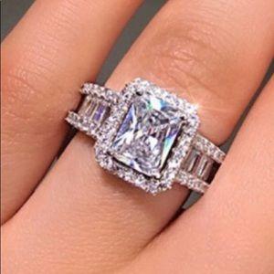 NEW 18k White Gold Radiant & Baguette Wedding Ring